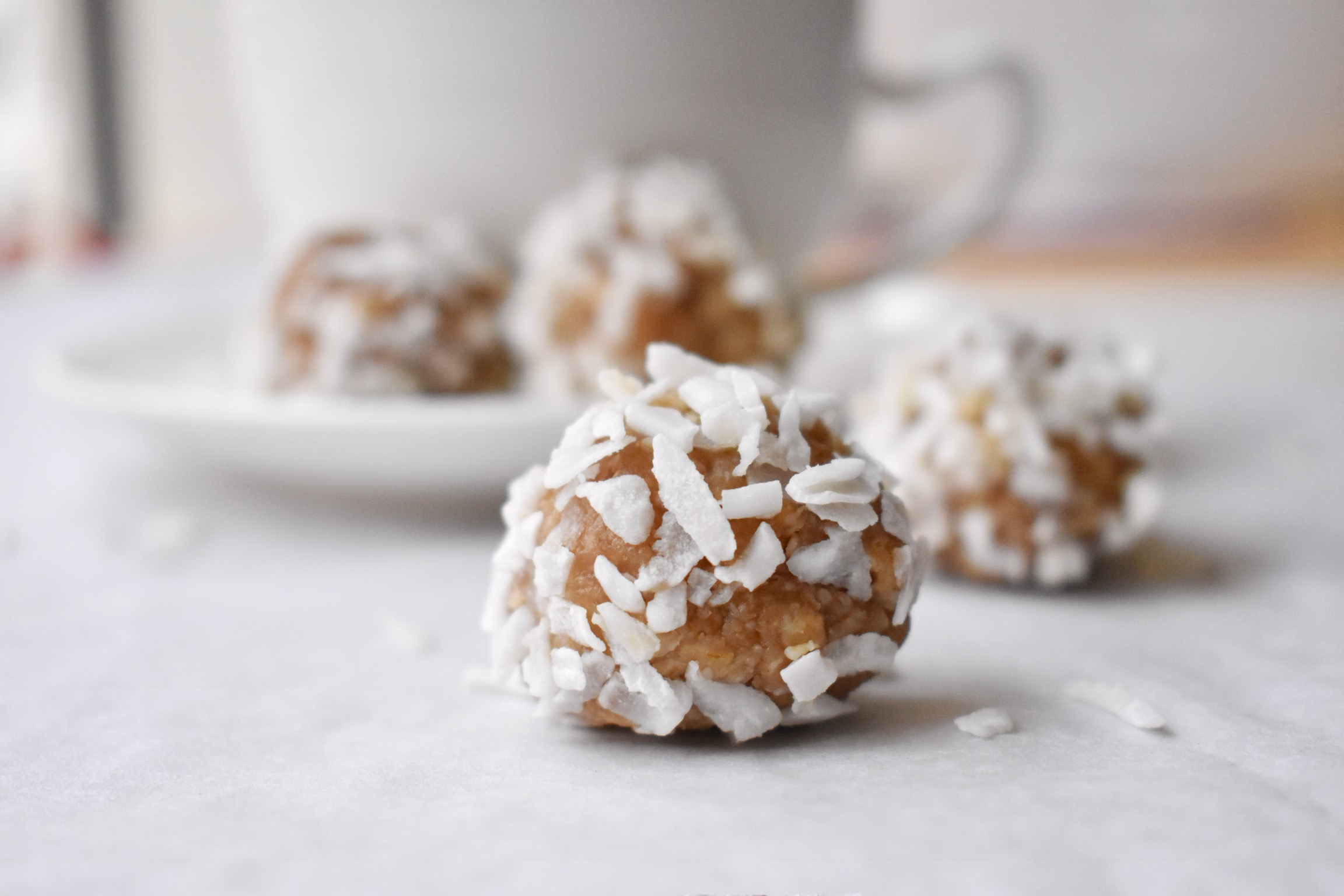 Coconut snowball dog treats
